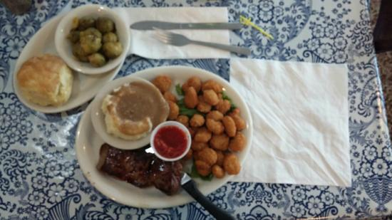 The Townhouse Restaurant: Surf and Turf