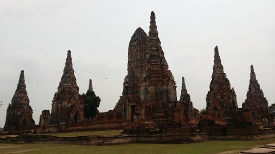 Wat Chaiwatthanaram: วัดเก่าแก่สวยงาม