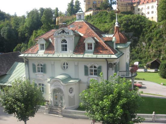 Schlosshotel Lisl : Вид из окна на противоположную сторону