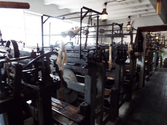 Framework Knitters' Museum : Framework Machine