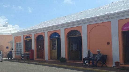 Saint George Parish, Dominica: Outside GoJo's