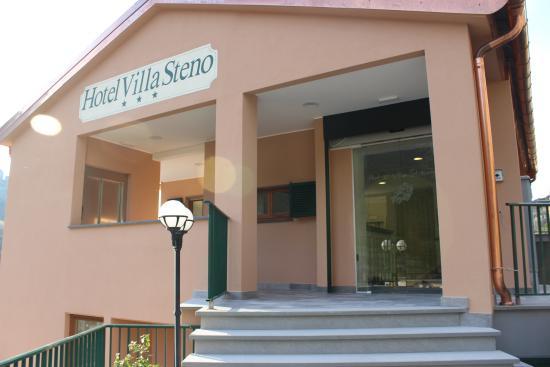 Hotel Villa Steno: Front entrance