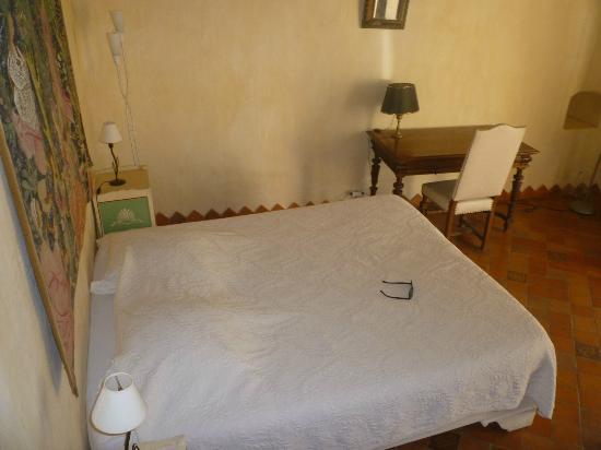 Commanderie de la Romagne : Le lit