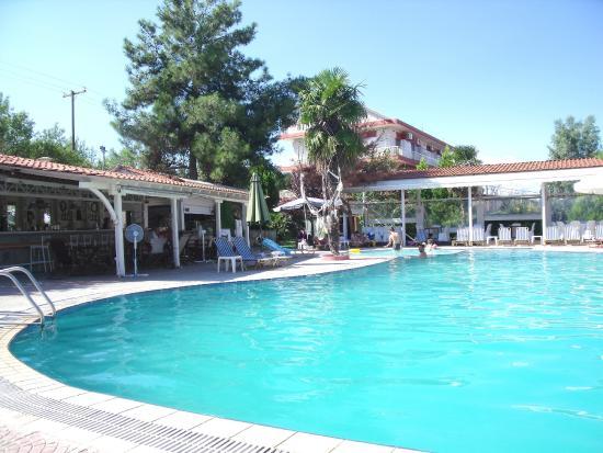 Four Seasons Hotel : piscine