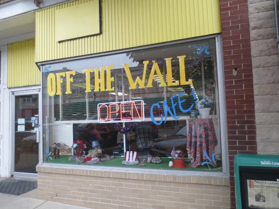 Off the Wall Café: Storefront