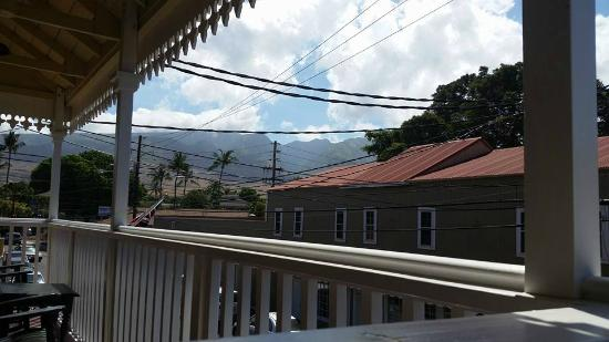 Lahaina Inn: More views from the lanai