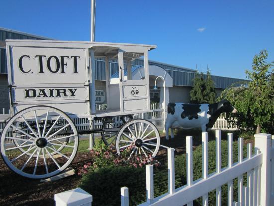 Toft's: Front