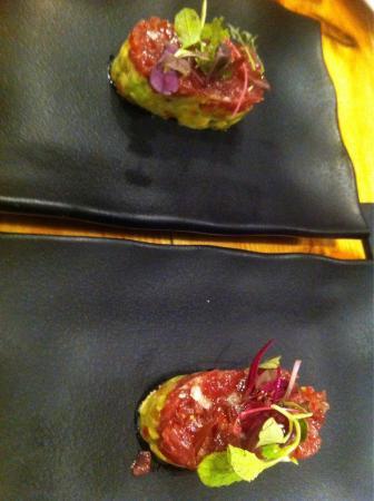 Tartar atún y guacamole  (menú degustación)