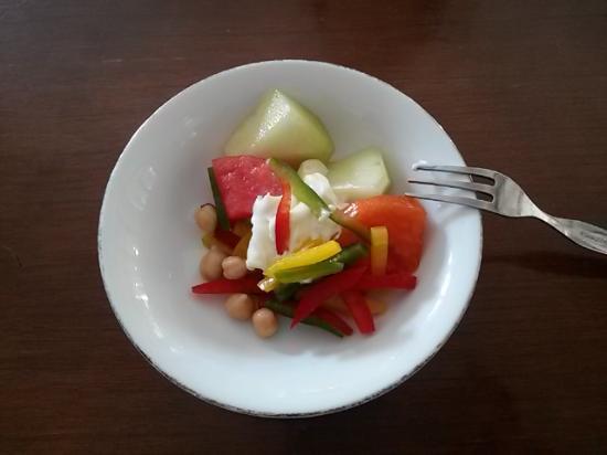 Karang Setra Hotel & Cottages: Salad