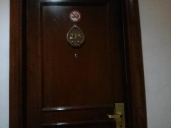 Karang Setra Hotel & Cottages: Room 215