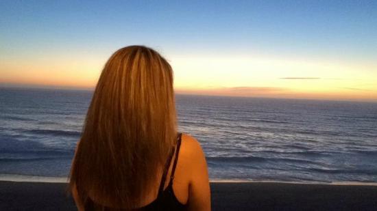 Nelscott Manor: Sunset from balcony