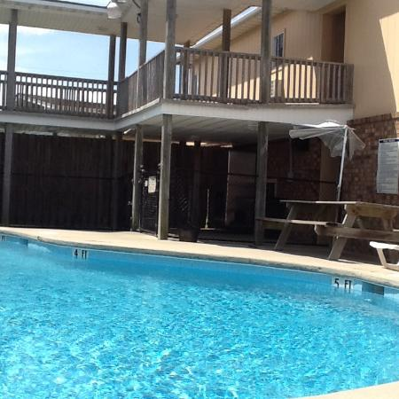 Sandpiper Motel: Nice clean pool area