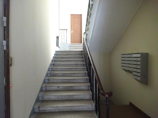 Atrium Hotel & Apartments: Подъезд