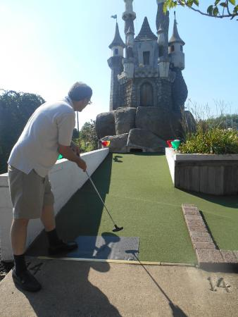 Limerick, PA: Castle Mini Golf at Waltz Golf Farm