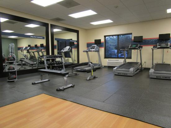 fitness room picture of hampton inn suites thousand. Black Bedroom Furniture Sets. Home Design Ideas