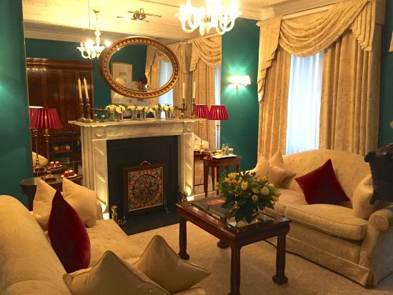 The Goring: The living room of the suite