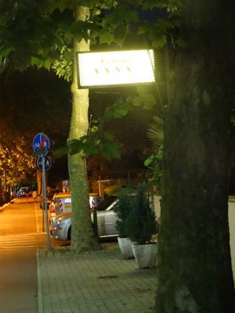 Garnì Anna : Вход в отель
