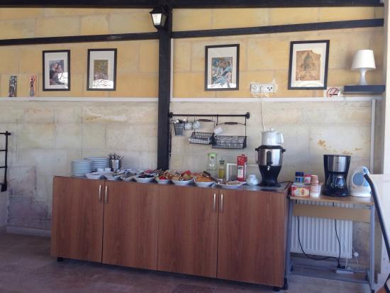 Karadut Cave Hotel: Mütevazı açık büfe kahvaltı