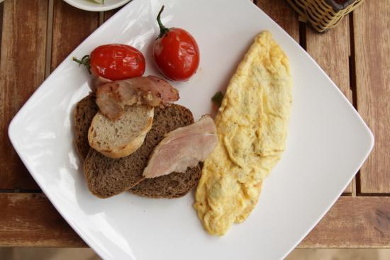 Hill's Smokeria: Omelette