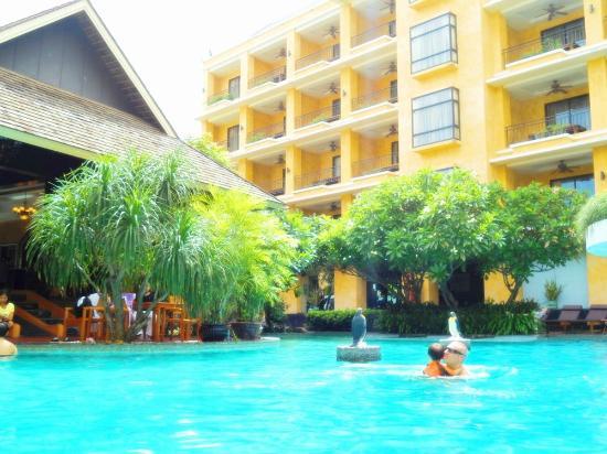 Mantra Pura Resort & Spa : pool