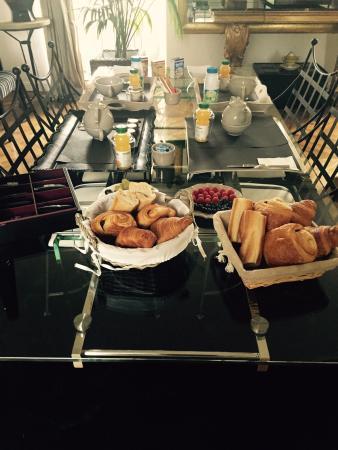 Chateau De La Ronde: Desayuno