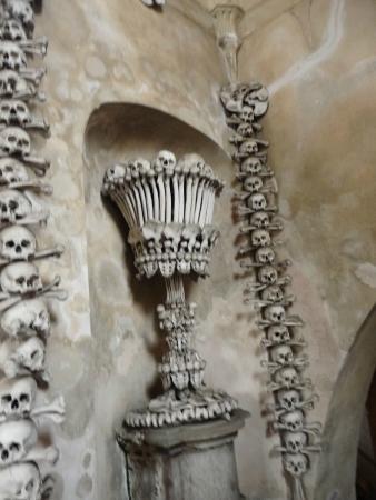 Ossuary / The Cemetery Church: vue du site