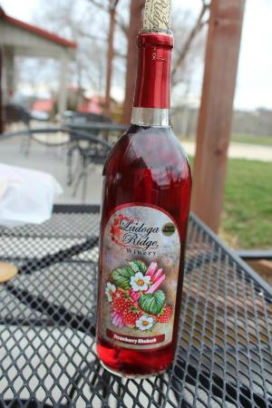 Smithville, MO: The delicious strawberry rhubarb wine!