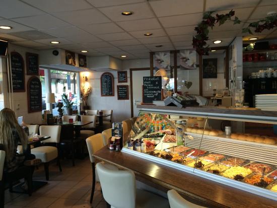 Picture of broodjeszaak de nieuwe rai for Nieuwe restaurants amsterdam