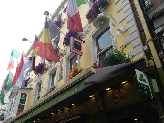 Oliver Saint John Gogarty: view from the outside
