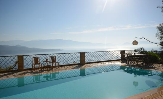 Diodati Villas Lefkada: Villa Asteria pool and view