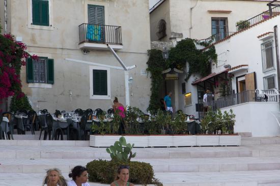 Piazzetta Petrone