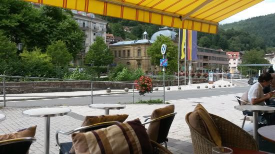 Bad Wildbad, Tyskland: Schöne Aussicht vom Cafe auf die Enz