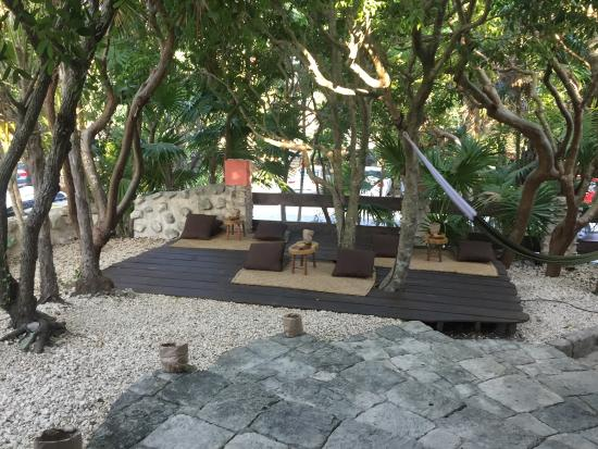 Kitchen Table Is One Of The Best Places For Food On The Beach - Kitchen table tulum