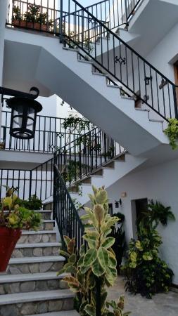 Almadraba: Escaleras del patio