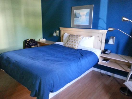 Motel Homeric: Inside our room