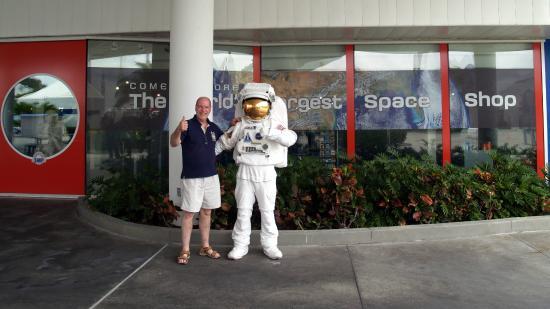 NASA Kennedy Space Center Visitor Complex: Astronaut encounter.