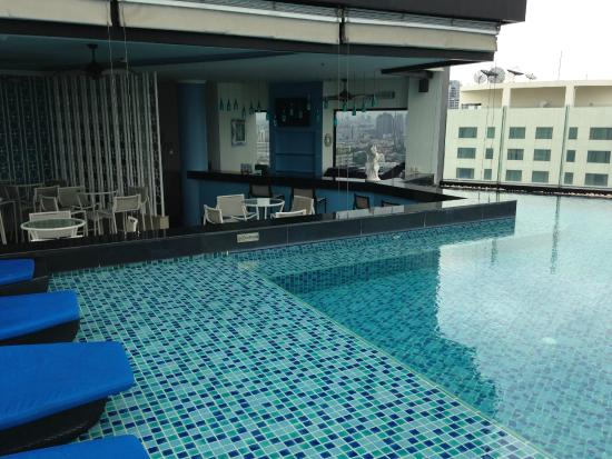 Piscina picture of the continent hotel bangkok by compass hospitality bangkok tripadvisor - Hotel bangkok piscina ...