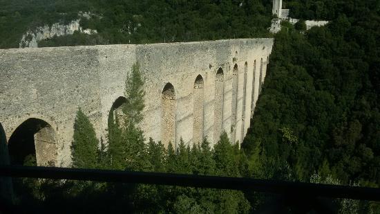 The Tower's Bridge: Ponte delle Torri