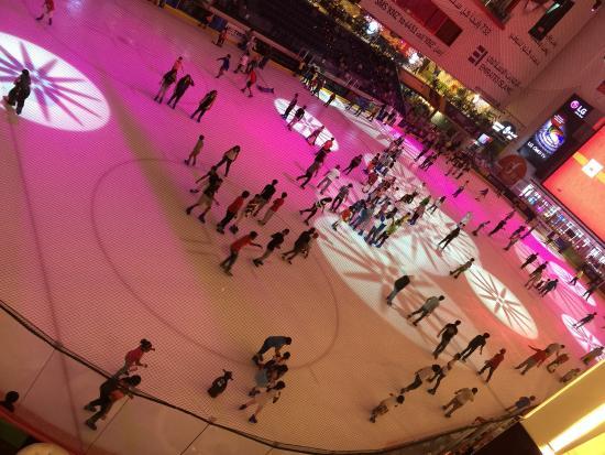 迪拜溜冰场