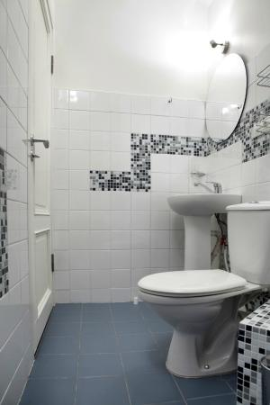 Gate Apartments: Bathroom in one bedroom apartment at Valnu street 10