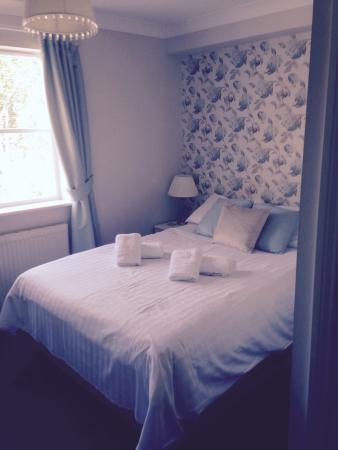 The Kings Arms: Double bed room lovely