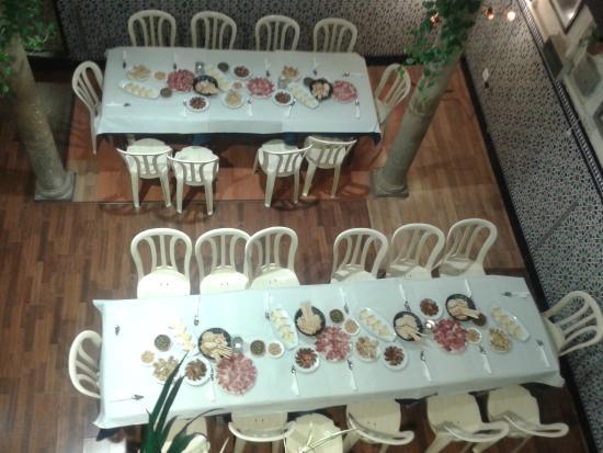 Bar Restaurante La Tulipa: El patio vestido para eventos y celebraciones