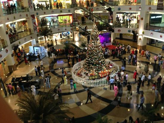 Infiniti Mall: Decoration during Christmass