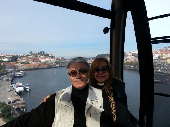 Quality Inn Portus Cale : Teleférico em Porto.Caminhar pela beira do rio Douro, avistando os rabelos, frente à Ponte D. Lu