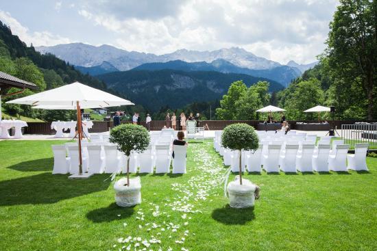 Hochzeitszeremonie Im Hotelgarten 1 Picture Of Das Graseck My