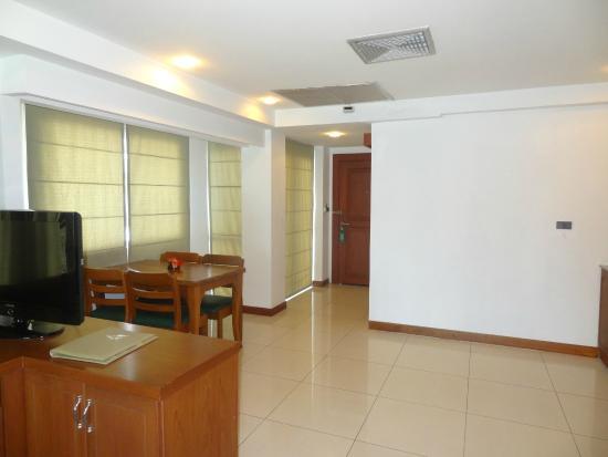 Baywalk Residence Pattaya: Full Room view - Mini Suite S8-4th Floor