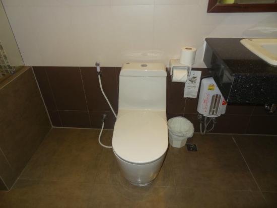 Baywalk Residence Pattaya: Washroom - Mini Suite S8-4th Floor