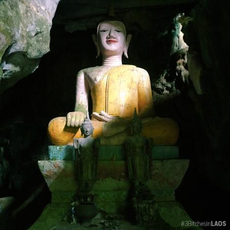 Tham Loup & Tham Hoi Caves: พระพุทธรูป
