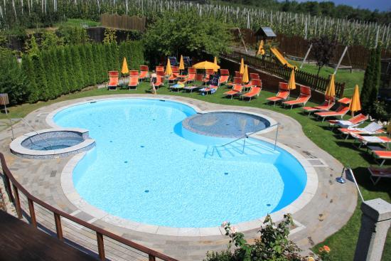 Waldhof: Blick auf den Outdoor-Pool