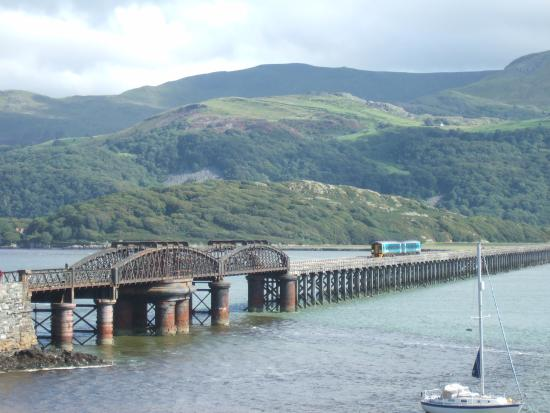 Cambrian Coast Railway: Barmouth: spoorbrug over het estuarium